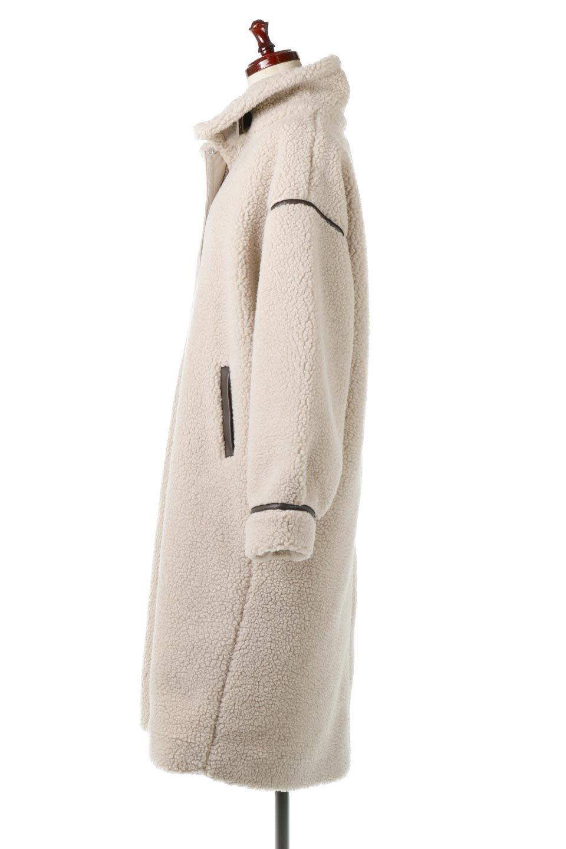 ShearlingFleeceStrappedNeckCoatボア&パイピング・ハイネックコート大人カジュアルに最適な海外ファッションのothers(その他インポートアイテム)のアウターやコート。首元まで暖かい、ミリタリー調のストラップが可愛いハイネックのボアロングコート。要所要所に施した合皮パイピングデザインがポイントになり、全体をスタイリッシュな雰囲気に仕上げてくれます。/main-7
