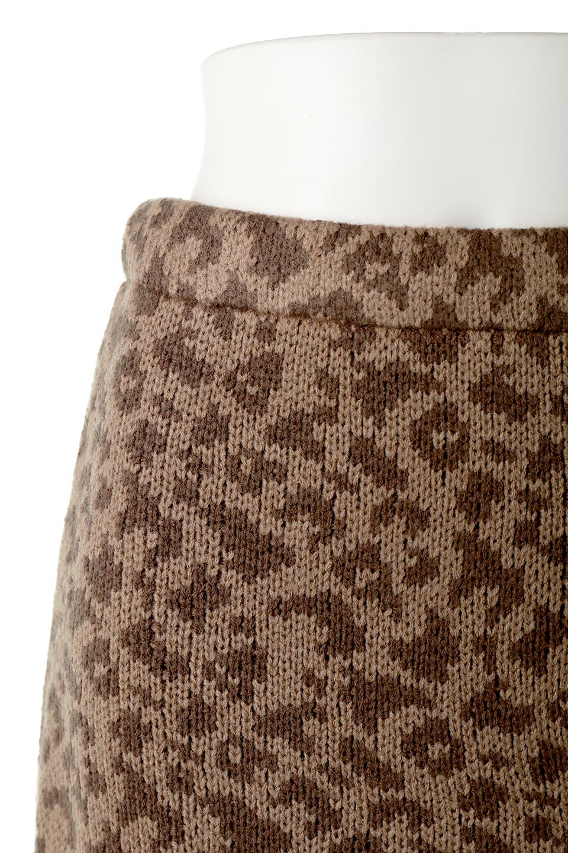 LeopardPatternedKnitSkirtレオパード柄・ニットスカート大人カジュアルに最適な海外ファッションのothers(その他インポートアイテム)のボトムやスカート。根強い人気のレオパード柄をあしらったニットスカート。茶系のレオパード柄はコーディネートも楽に決まる人気のカラーリング。/main-15