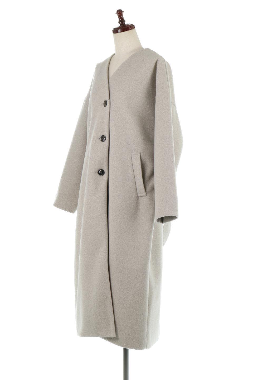 EcoWoolCollarlessLongCoatフェイクウール・ノーカラーコート大人カジュアルに最適な海外ファッションのothers(その他インポートアイテム)のアウターやコート。暖かみのあるフェイクウールを使用したノーカラーコート。カジュアル過ぎないノーカラーデザインが上品に魅せ、スッキリとしたシルエットで落ち着いた大人コーデには欠かせません。/main-1