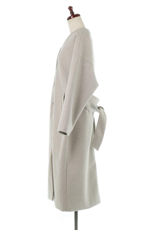 EcoWoolCollarlessLongCoatフェイクウール・ノーカラーコート大人カジュアルに最適な海外ファッションのothers(その他インポートアイテム)のアウターやコート。暖かみのあるフェイクウールを使用したノーカラーコート。カジュアル過ぎないノーカラーデザインが上品に魅せ、スッキリとしたシルエットで落ち着いた大人コーデには欠かせません。/main-2