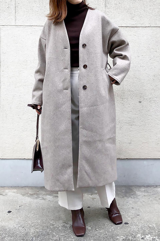 EcoWoolCollarlessLongCoatフェイクウール・ノーカラーコート大人カジュアルに最適な海外ファッションのothers(その他インポートアイテム)のアウターやコート。暖かみのあるフェイクウールを使用したノーカラーコート。カジュアル過ぎないノーカラーデザインが上品に魅せ、スッキリとしたシルエットで落ち着いた大人コーデには欠かせません。/main-29