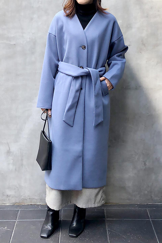 EcoWoolCollarlessLongCoatフェイクウール・ノーカラーコート大人カジュアルに最適な海外ファッションのothers(その他インポートアイテム)のアウターやコート。暖かみのあるフェイクウールを使用したノーカラーコート。カジュアル過ぎないノーカラーデザインが上品に魅せ、スッキリとしたシルエットで落ち着いた大人コーデには欠かせません。/main-34