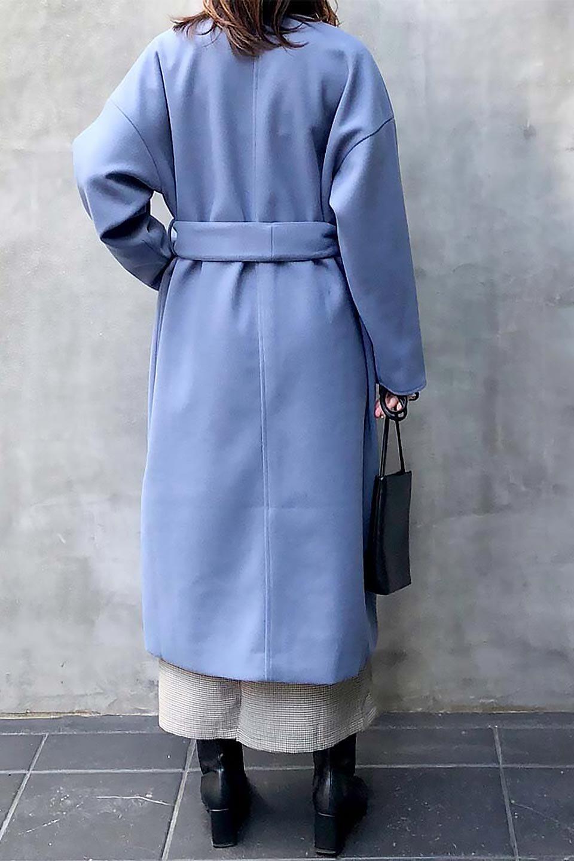 EcoWoolCollarlessLongCoatフェイクウール・ノーカラーコート大人カジュアルに最適な海外ファッションのothers(その他インポートアイテム)のアウターやコート。暖かみのあるフェイクウールを使用したノーカラーコート。カジュアル過ぎないノーカラーデザインが上品に魅せ、スッキリとしたシルエットで落ち着いた大人コーデには欠かせません。/main-36