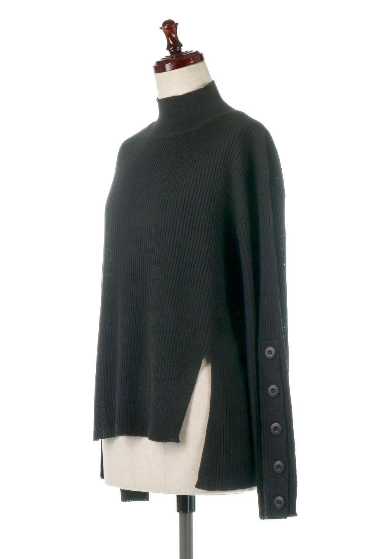 ButtonSleeveSideSlitTopボタンスリーブ・リブニットトップ大人カジュアルに最適な海外ファッションのothers(その他インポートアイテム)のトップスやカットソー。大きめボタンの袖が可愛いリブニットのハイネックトップス。厚すぎない生地感で春にも活躍するアイテムです。/main-21