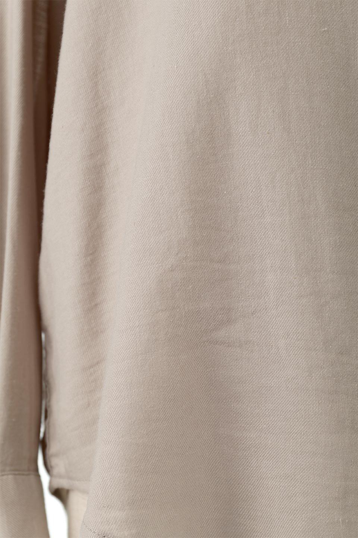 LooseFitLongSleeveLinenShirtsコットンリネン・ベーシックシャツ大人カジュアルに最適な海外ファッションのothers(その他インポートアイテム)のトップスやシャツ・ブラウス。コットン、リネン、レーヨンを使用し、ナチュラル素材にしなやかさをプラスするレーヨンを混ぜたルーズフィットスタイルのシャツ。くたっと柔らかでベーシックなスタイルの着回しやすいアイテムです。/main-21