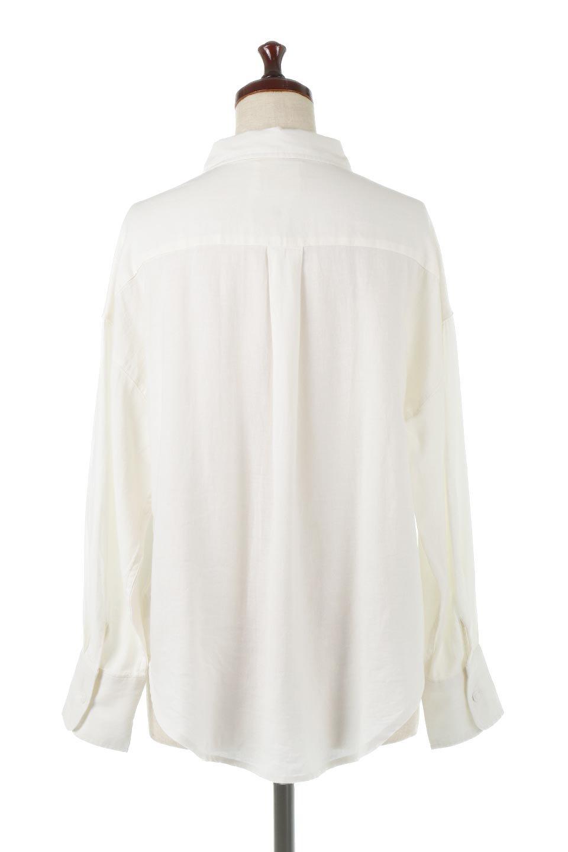 LooseFitLongSleeveLinenShirtsコットンリネン・ベーシックシャツ大人カジュアルに最適な海外ファッションのothers(その他インポートアイテム)のトップスやシャツ・ブラウス。コットン、リネン、レーヨンを使用し、ナチュラル素材にしなやかさをプラスするレーヨンを混ぜたルーズフィットスタイルのシャツ。くたっと柔らかでベーシックなスタイルの着回しやすいアイテムです。/main-4