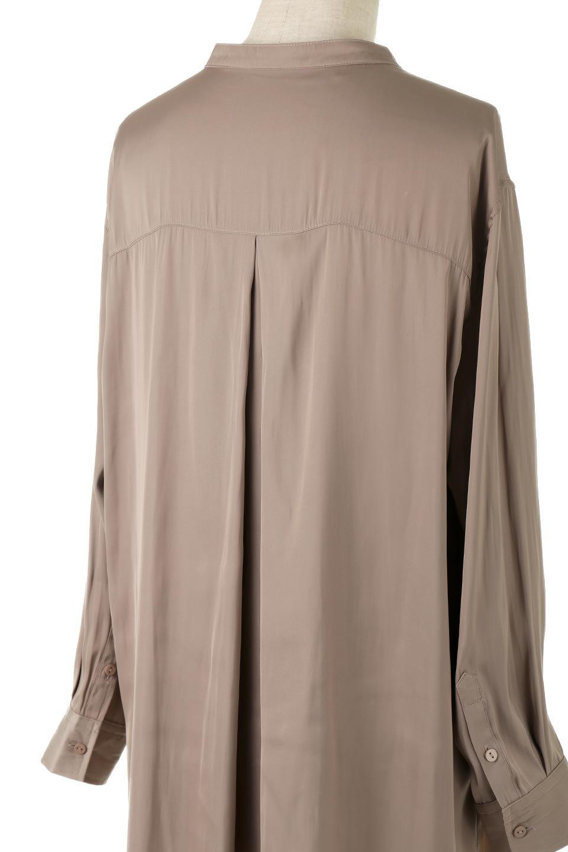 SatinLongShirtsTunicロング丈・サテンシャツチュニック大人カジュアルに最適な海外ファッションのothers(その他インポートアイテム)のトップスやシャツ・ブラウス。普段のコーディネートにプラスするだけで可愛いコーデが完成するツヤ感のあるシャツチュニック。お尻までしっかりと隠れるオーバーサイズがかわいく、いろいろと着こなしができるアイテム。/main-12