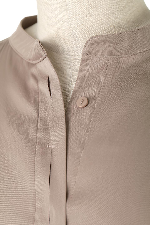 SatinLongShirtsTunicロング丈・サテンシャツチュニック大人カジュアルに最適な海外ファッションのothers(その他インポートアイテム)のトップスやシャツ・ブラウス。普段のコーディネートにプラスするだけで可愛いコーデが完成するツヤ感のあるシャツチュニック。お尻までしっかりと隠れるオーバーサイズがかわいく、いろいろと着こなしができるアイテム。/main-14