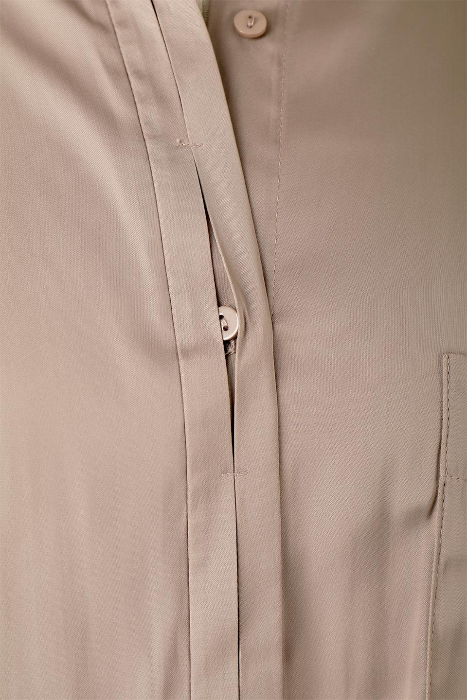 SatinLongShirtsTunicロング丈・サテンシャツチュニック大人カジュアルに最適な海外ファッションのothers(その他インポートアイテム)のトップスやシャツ・ブラウス。普段のコーディネートにプラスするだけで可愛いコーデが完成するツヤ感のあるシャツチュニック。お尻までしっかりと隠れるオーバーサイズがかわいく、いろいろと着こなしができるアイテム。/main-15
