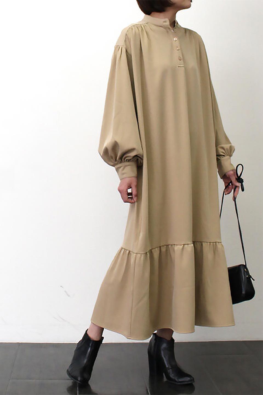 PuffSleeveLongDressスタンドカラー・裾切り替えワンピース大人カジュアルに最適な海外ファッションのothers(その他インポートアイテム)のワンピースやマキシワンピース。切り替えになった裾のフレアシルエットが可愛いロングワンピース。しっかりした生地でストレッチも効いた着心地の良いアイテムです。/main-24