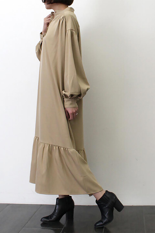 PuffSleeveLongDressスタンドカラー・裾切り替えワンピース大人カジュアルに最適な海外ファッションのothers(その他インポートアイテム)のワンピースやマキシワンピース。切り替えになった裾のフレアシルエットが可愛いロングワンピース。しっかりした生地でストレッチも効いた着心地の良いアイテムです。/main-25