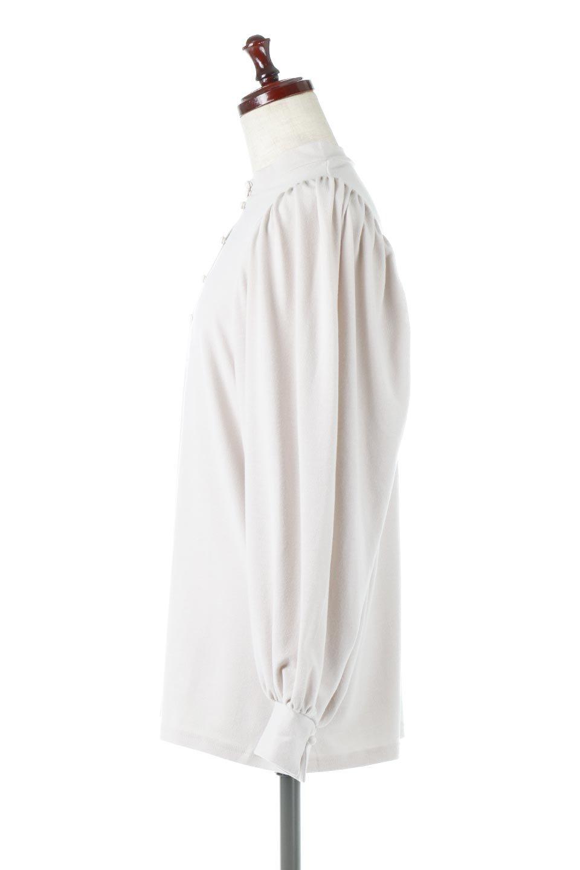 VolumeSleeveSoftBlouseボリュームスリーブ・起毛ブラウス大人カジュアルに最適な海外ファッションのothers(その他インポートアイテム)のトップスやシャツ・ブラウス。ふんわりとした起毛のカットソー生地を使ったブラウス。ボリュームスリーブは肩の切替しにたっぷりとギャザーを入れ、落ち感を綺麗に出してくれます。/main-2