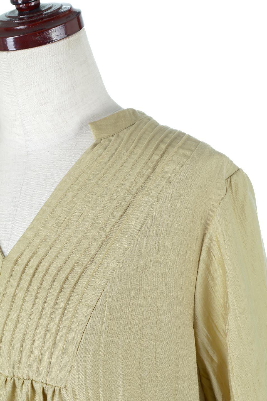 PinTuckFlareLongDressピンタック・ロングワンピース大人カジュアルに最適な海外ファッションのothers(その他インポートアイテム)のワンピースやマキシワンピース。広がりを抑えたシルエットに仕上げ、全体を落ち着いた雰囲気に落とし込んだワンピース。フロントは細かいタックを施したクセのないデザインで、胸元の開きは深めにし、すっきりした印象に。/main-10