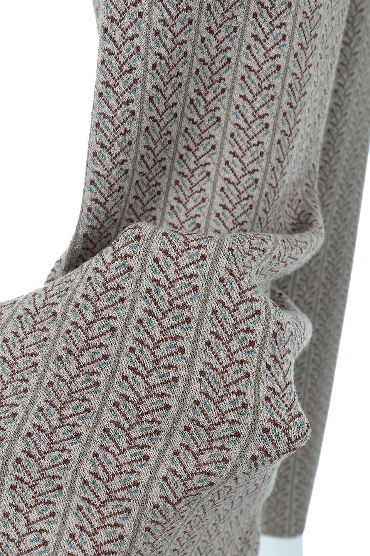 JacquardWeaveSoftKnitPantsソフトジャカード・ニットパンツ大人カジュアルに最適な海外ファッションのothers(その他インポートアイテム)のボトムやパンツ。オリジナルの幾何学な花柄を4色の糸を使いレトロに表現したジャカード織りのロングパンツ。柄のパンツに抵抗がある方でも試しやすいニュアンス感がある曖昧なカラーで、「日常に馴染み」「大人のはずし」に丁度よいソフトな履き心地のパンツです。/main-12