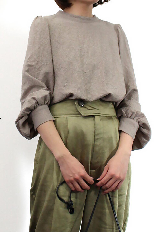 2WayRippleBlouse2ウェイ・リップル加工ブラウス大人カジュアルに最適な海外ファッションのothers(その他インポートアイテム)のトップスやシャツ・ブラウス。凹凸感があり肌触りの良いリップル生地を使用した7分袖のブラウス。シンプルデザインですが前後ろどちらでも着用可能な2Wayタイプ。/main-22