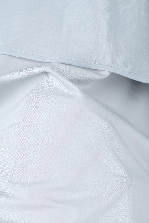 FauxLayeredCandySleeveBlouseシアーサテン・ドッキングブラウス大人カジュアルに最適な海外ファッションのothers(その他インポートアイテム)のトップスやシャツ・ブラウス。春らしい軽やかなシアー感のあるサテンをドッキングさせた長袖ブラウス。ニットベストとのドッキングブラウスよりも春夏向けのアイテム。/main-17