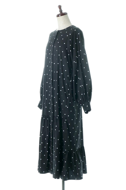 VolumeSleeveDottedLongDressボリュームスリーブ・ドットワンピース大人カジュアルに最適な海外ファッションのothers(その他インポートアイテム)のワンピースやマキシワンピース。定番人気のドット柄「大人フェミニン」な主役ワンピース。コーデをグっと女っぽく仕上げてくれるドット柄にたっぷりのボリューム袖が素敵なワンピースです。/main-1