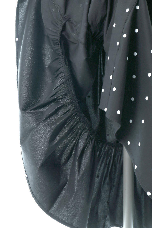 VolumeSleeveDottedLongDressボリュームスリーブ・ドットワンピース大人カジュアルに最適な海外ファッションのothers(その他インポートアイテム)のワンピースやマキシワンピース。定番人気のドット柄「大人フェミニン」な主役ワンピース。コーデをグっと女っぽく仕上げてくれるドット柄にたっぷりのボリューム袖が素敵なワンピースです。/main-16