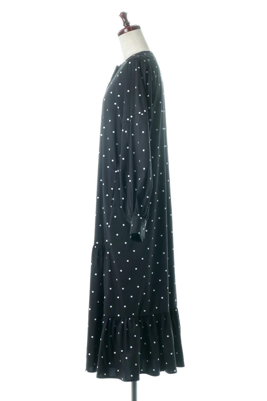 VolumeSleeveDottedLongDressボリュームスリーブ・ドットワンピース大人カジュアルに最適な海外ファッションのothers(その他インポートアイテム)のワンピースやマキシワンピース。定番人気のドット柄「大人フェミニン」な主役ワンピース。コーデをグっと女っぽく仕上げてくれるドット柄にたっぷりのボリューム袖が素敵なワンピースです。/main-2