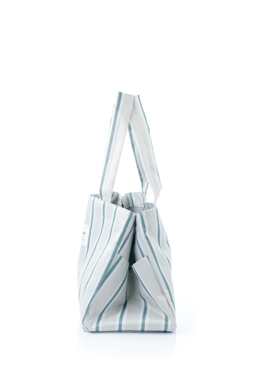 FoldingShoppingCoolerBasket(Stripe)保冷保温・折りたたみレジカゴエコバッグ(ストライプ・グレー)大人カジュアルに最適な海外ファッションのothers(その他インポートアイテム)のバッグやその他。レジカゴにジャストフィットの折りたたみエコバッグ。保温、保冷効果を高めるアルミ加工で、両サイドのポケットは保冷剤を入れて更に保冷効果を高めることができます。/main-2