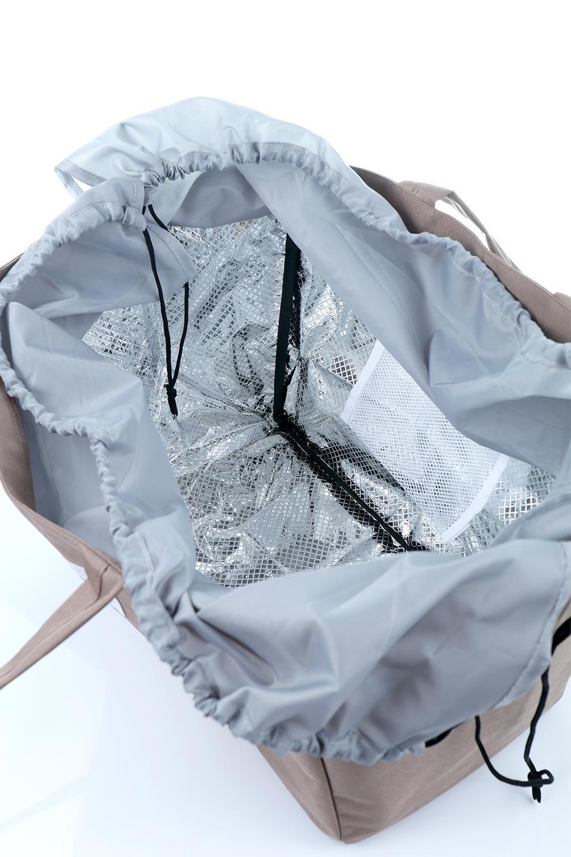 FoldingShoppingCoolerBasket(Mocha)保冷保温・折りたたみレジカゴエコバッグ(モカ)大人カジュアルに最適な海外ファッションのothers(その他インポートアイテム)のバッグやその他。レジカゴにジャストフィットの折りたたみエコバッグ。保温、保冷効果を高めるアルミ加工で、両サイドのポケットは保冷剤を入れて更に保冷効果を高めることができます。/main-13