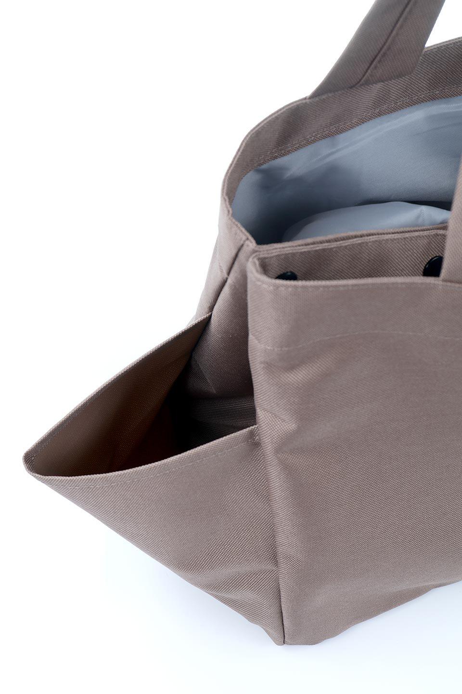 FoldingShoppingCoolerBasket(Mocha)保冷保温・折りたたみレジカゴエコバッグ(モカ)大人カジュアルに最適な海外ファッションのothers(その他インポートアイテム)のバッグやその他。レジカゴにジャストフィットの折りたたみエコバッグ。保温、保冷効果を高めるアルミ加工で、両サイドのポケットは保冷剤を入れて更に保冷効果を高めることができます。/main-9