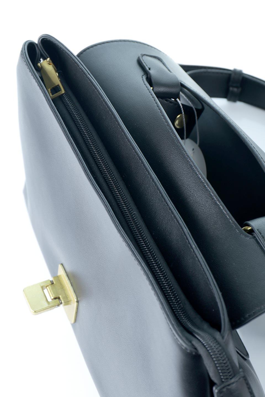 meliebiancoのErica(Black)2ウェイストラップ・ヘキサショルダーバッグ/海外ファッション好きにオススメのインポートバッグとかばん、MelieBianco(メリービアンコ)のバッグやショルダーバッグ。六角形のシルエットが可愛い程よいサイズ感のショルダーバッグ。ストラップはロングとショートの2パターンで楽しめます。/main-12