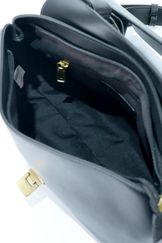 meliebiancoのErica(Black)2ウェイストラップ・ヘキサショルダーバッグ/海外ファッション好きにオススメのインポートバッグとかばん、MelieBianco(メリービアンコ)のバッグやショルダーバッグ。六角形のシルエットが可愛い程よいサイズ感のショルダーバッグ。ストラップはロングとショートの2パターンで楽しめます。/main-13