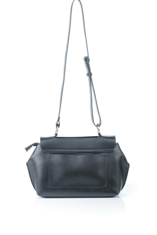 meliebiancoのErica(Black)2ウェイストラップ・ヘキサショルダーバッグ/海外ファッション好きにオススメのインポートバッグとかばん、MelieBianco(メリービアンコ)のバッグやショルダーバッグ。六角形のシルエットが可愛い程よいサイズ感のショルダーバッグ。ストラップはロングとショートの2パターンで楽しめます。/main-4