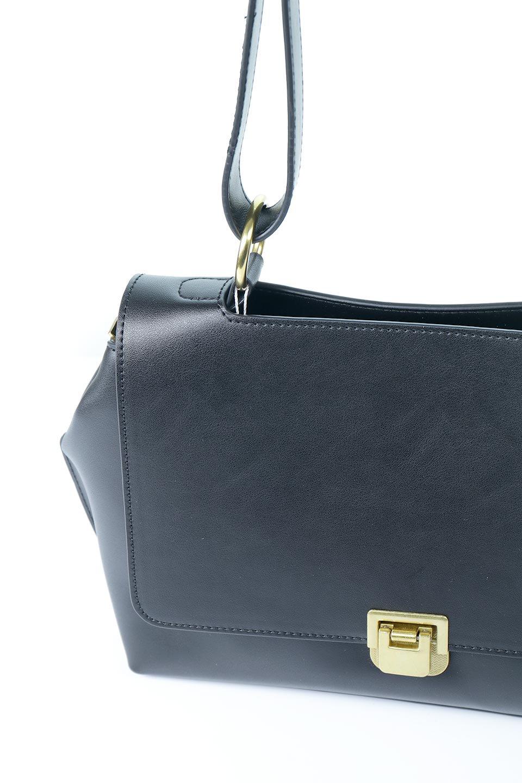 meliebiancoのErica(Black)2ウェイストラップ・ヘキサショルダーバッグ/海外ファッション好きにオススメのインポートバッグとかばん、MelieBianco(メリービアンコ)のバッグやショルダーバッグ。六角形のシルエットが可愛い程よいサイズ感のショルダーバッグ。ストラップはロングとショートの2パターンで楽しめます。/main-7