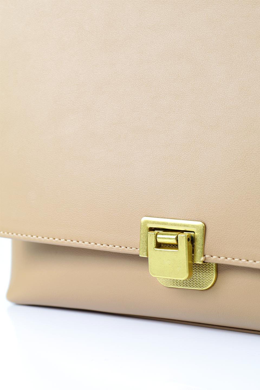meliebiancoのErica(Tan)2ウェイストラップ・ヘキサショルダーバッグ/海外ファッション好きにオススメのインポートバッグとかばん、MelieBianco(メリービアンコ)のバッグやショルダーバッグ。六角形のシルエットが可愛い程よいサイズ感のショルダーバッグ。ストラップはロングとショートの2パターンで楽しめます。/main-5