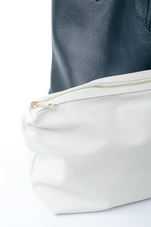 meliebiancoのDenise(Black)ポーチ付き・リバーシブルトートバッグ/海外ファッション好きにオススメのインポートバッグとかばん、MelieBianco(メリービアンコ)のバッグやトートバッグ。シンプルなキャンバスポーチが付いたシンプルなトートバッグ。ソフトでなめらかなメリービアンコ独自のプレミアムビーガンレザーを使用。/main-12