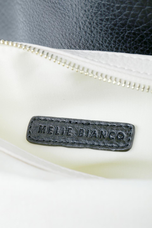 meliebiancoのDenise(Black)ポーチ付き・リバーシブルトートバッグ/海外ファッション好きにオススメのインポートバッグとかばん、MelieBianco(メリービアンコ)のバッグやトートバッグ。シンプルなキャンバスポーチが付いたシンプルなトートバッグ。ソフトでなめらかなメリービアンコ独自のプレミアムビーガンレザーを使用。/main-13