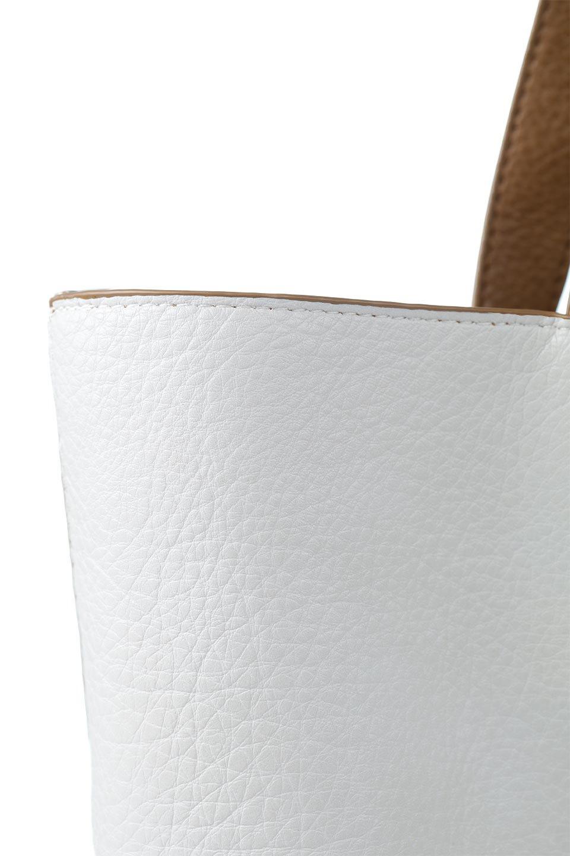 meliebiancoのDenise(Tan)ポーチ付き・リバーシブルトートバッグ/海外ファッション好きにオススメのインポートバッグとかばん、MelieBianco(メリービアンコ)のバッグやトートバッグ。シンプルなキャンバスポーチが付いたシンプルなトートバッグ。ソフトでなめらかなメリービアンコ独自のプレミアムビーガンレザーを使用。/main-14