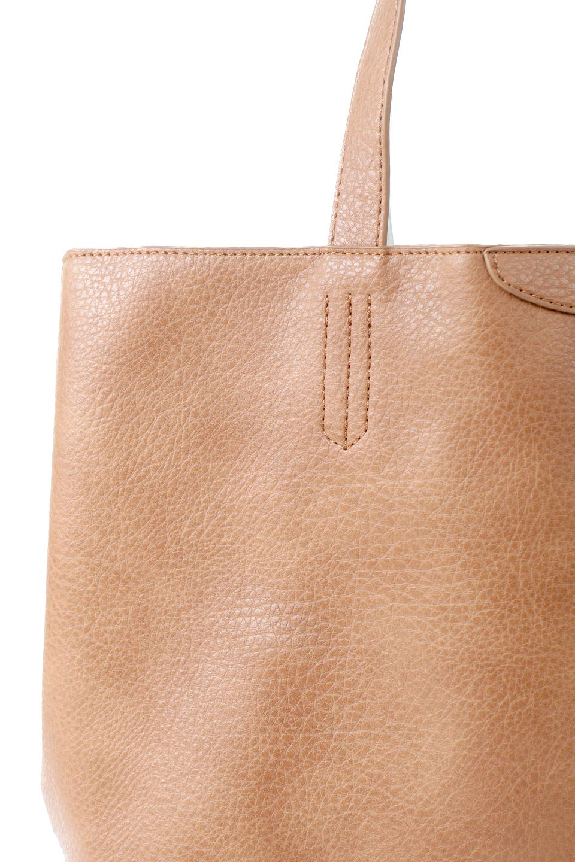 meliebiancoのDenise(Tan)ポーチ付き・リバーシブルトートバッグ/海外ファッション好きにオススメのインポートバッグとかばん、MelieBianco(メリービアンコ)のバッグやトートバッグ。シンプルなキャンバスポーチが付いたシンプルなトートバッグ。ソフトでなめらかなメリービアンコ独自のプレミアムビーガンレザーを使用。/main-5