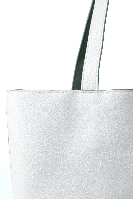 meliebiancoのDenise(Mint)ポーチ付き・リバーシブルトートバッグ/海外ファッション好きにオススメのインポートバッグとかばん、MelieBianco(メリービアンコ)のバッグやトートバッグ。シンプルなキャンバスポーチが付いたシンプルなトートバッグ。ソフトでなめらかなメリービアンコ独自のプレミアムビーガンレザーを使用。/main-15