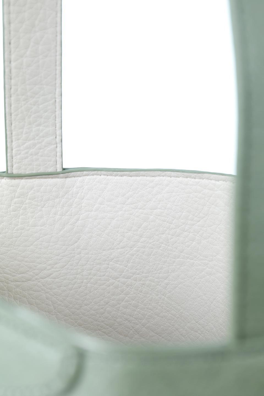 meliebiancoのDenise(Mint)ポーチ付き・リバーシブルトートバッグ/海外ファッション好きにオススメのインポートバッグとかばん、MelieBianco(メリービアンコ)のバッグやトートバッグ。シンプルなキャンバスポーチが付いたシンプルなトートバッグ。ソフトでなめらかなメリービアンコ独自のプレミアムビーガンレザーを使用。/main-8
