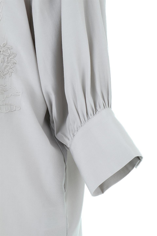 EmbroideredSatinBlouse刺繍入り・サテンブラウス大人カジュアルに最適な海外ファッションのothers(その他インポートアイテム)のトップスやシャツ・ブラウス。胸元のさりげない刺繍が可愛い7分袖のサテンブラウス。センターはしごレースを挟んでいるので高見えするアイテムです。/main-16