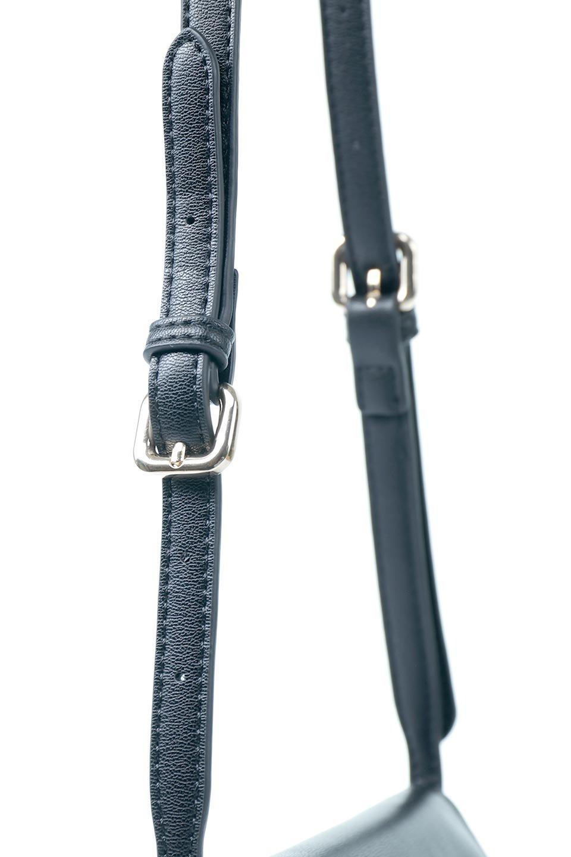 meliebiancoのCleo(Black)2Way・ミニショルダーバッグ/海外ファッション好きにオススメのインポートバッグとかばん、MelieBianco(メリービアンコ)のバッグやショルダーバッグ。スマホ+αでのお出かけにピッタリサイズのショルダーバッグ。キャッシュレスを使いこなす方には嬉しいミニサイズのバッグです。/main-6
