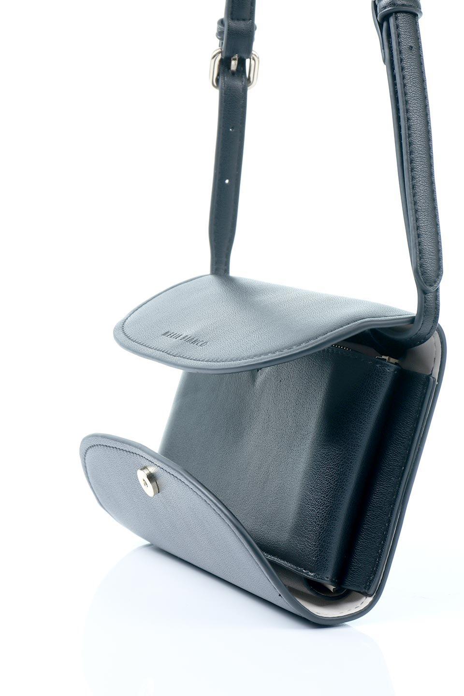 meliebiancoのCleo(Black)2Way・ミニショルダーバッグ/海外ファッション好きにオススメのインポートバッグとかばん、MelieBianco(メリービアンコ)のバッグやショルダーバッグ。スマホ+αでのお出かけにピッタリサイズのショルダーバッグ。キャッシュレスを使いこなす方には嬉しいミニサイズのバッグです。/main-9