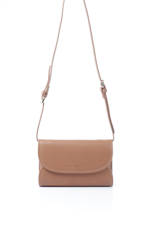 meliebiancoのCleo(Saddle)2Way・ミニショルダーバッグ/海外ファッション好きにオススメのインポートバッグとかばん、MelieBianco(メリービアンコ)のバッグやショルダーバッグ。スマホ+αでのお出かけにピッタリサイズのショルダーバッグ。キャッシュレスを使いこなす方には嬉しいミニサイズのバッグです。