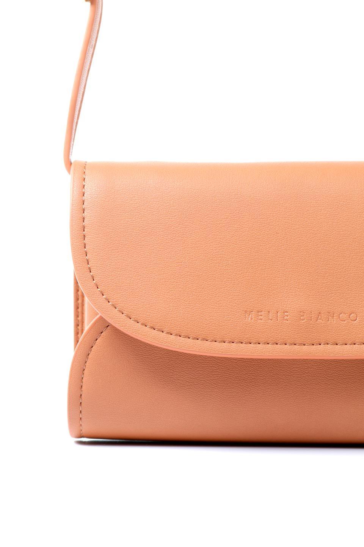 meliebiancoのCleo(Peach)2Way・ミニショルダーバッグ/海外ファッション好きにオススメのインポートバッグとかばん、MelieBianco(メリービアンコ)のバッグやショルダーバッグ。スマホ+αでのお出かけにピッタリサイズのショルダーバッグ。キャッシュレスを使いこなす方には嬉しいミニサイズのバッグです。/main-14