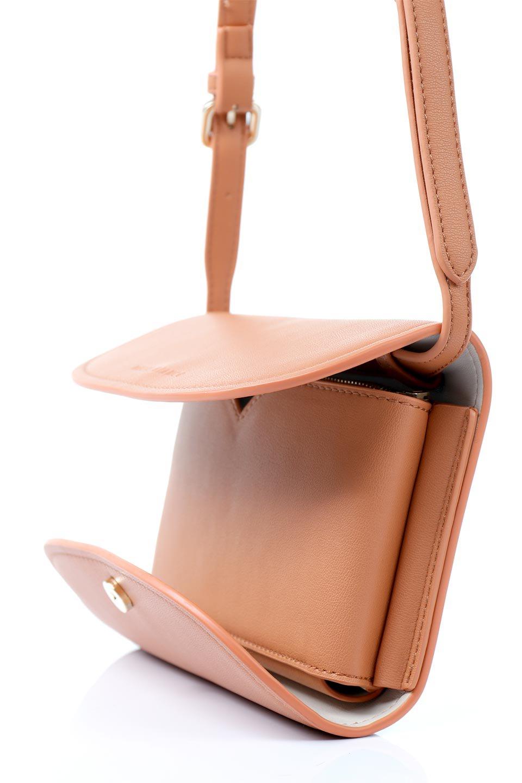 meliebiancoのCleo(Peach)2Way・ミニショルダーバッグ/海外ファッション好きにオススメのインポートバッグとかばん、MelieBianco(メリービアンコ)のバッグやショルダーバッグ。スマホ+αでのお出かけにピッタリサイズのショルダーバッグ。キャッシュレスを使いこなす方には嬉しいミニサイズのバッグです。/main-9