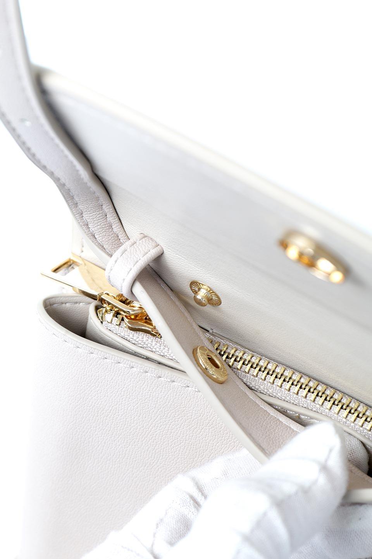 meliebiancoのCleo(Bone)2Way・ミニショルダーバッグ/海外ファッション好きにオススメのインポートバッグとかばん、MelieBianco(メリービアンコ)のバッグやショルダーバッグ。スマホ+αでのお出かけにピッタリサイズのショルダーバッグ。キャッシュレスを使いこなす方には嬉しいミニサイズのバッグです。/main-13