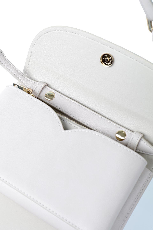 meliebiancoのCleo(Bone)2Way・ミニショルダーバッグ/海外ファッション好きにオススメのインポートバッグとかばん、MelieBianco(メリービアンコ)のバッグやショルダーバッグ。スマホ+αでのお出かけにピッタリサイズのショルダーバッグ。キャッシュレスを使いこなす方には嬉しいミニサイズのバッグです。/main-14