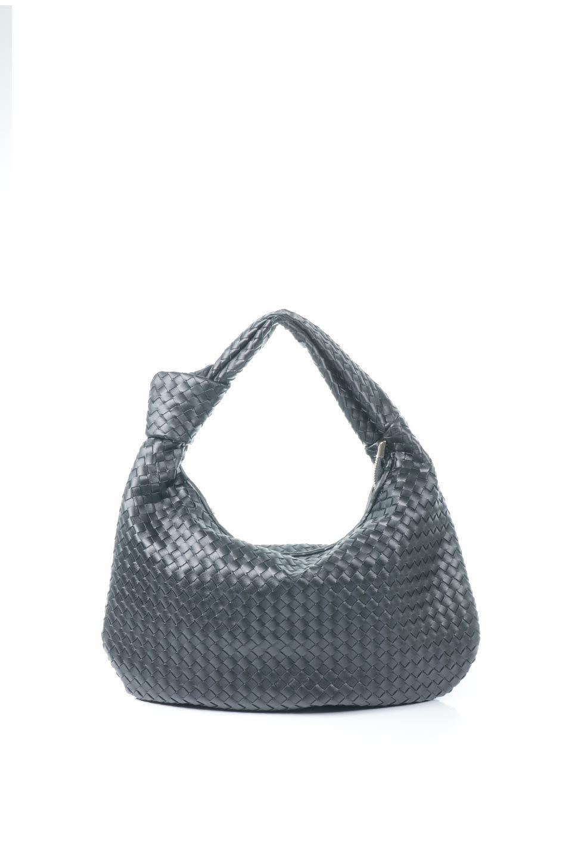 meliebiancoのBrigitte(Black)ウーヴンホーボーバッグ/海外ファッション好きにオススメのインポートバッグとかばん、MelieBianco(メリービアンコ)のバッグやショルダーバッグ。バターのようになめらかな手触りのビーガンレザーを使用した編み込みのホーボーバッグ。ソフトなマテリアルなので肩に掛けたときの「しっくり感」は最高です。