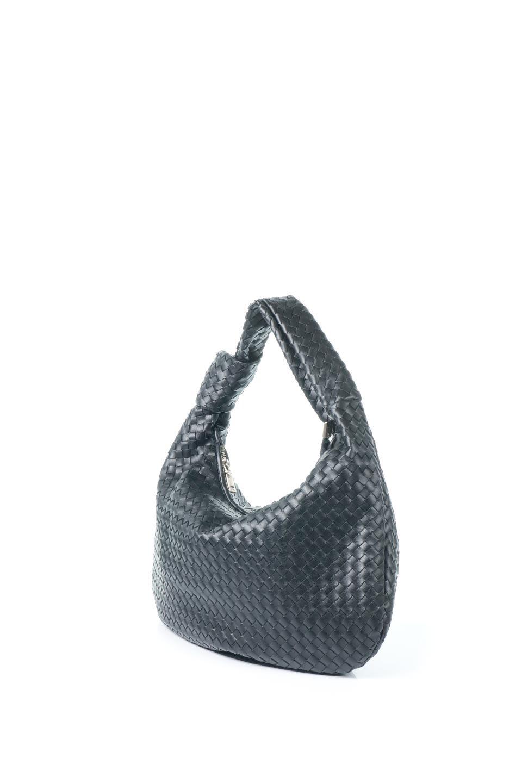 meliebiancoのBrigitte(Black)ウーヴンホーボーバッグ/海外ファッション好きにオススメのインポートバッグとかばん、MelieBianco(メリービアンコ)のバッグやショルダーバッグ。バターのようになめらかな手触りのビーガンレザーを使用した編み込みのホーボーバッグ。ソフトなマテリアルなので肩に掛けたときの「しっくり感」は最高です。/main-1