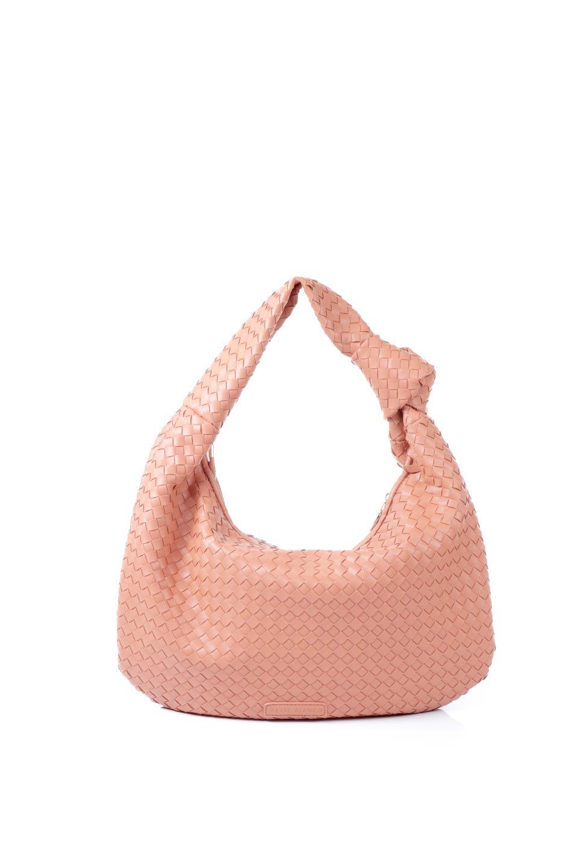 meliebiancoのBrigitte(Peach)ウーヴンホーボーバッグ/海外ファッション好きにオススメのインポートバッグとかばん、MelieBianco(メリービアンコ)のバッグやショルダーバッグ。バターのようになめらかな手触りのビーガンレザーを使用した編み込みのホーボーバッグ。ソフトなマテリアルなので肩に掛けたときの「しっくり感」は最高です。/main-4