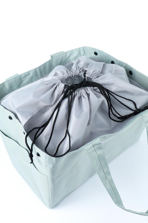 FoldingShoppingCoolerBasket(SmokeGreen)保冷保温・折りたたみレジカゴエコバッグ(スモークグリーン)大人カジュアルに最適な海外ファッションのothers(その他インポートアイテム)のバッグやその他。レジカゴにジャストフィットの折りたたみエコバッグ。保温、保冷効果を高めるアルミ加工で、両サイドのポケットは保冷剤を入れて更に保冷効果を高めることができます。/main-10