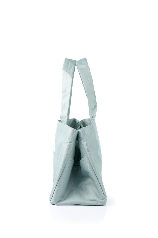 FoldingShoppingCoolerBasket(SmokeGreen)保冷保温・折りたたみレジカゴエコバッグ(スモークグリーン)大人カジュアルに最適な海外ファッションのothers(その他インポートアイテム)のバッグやその他。レジカゴにジャストフィットの折りたたみエコバッグ。保温、保冷効果を高めるアルミ加工で、両サイドのポケットは保冷剤を入れて更に保冷効果を高めることができます。/main-2